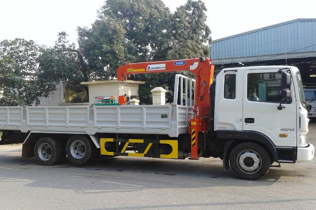 Xe tải HD210 gắn cẩu KS633 3 tấn