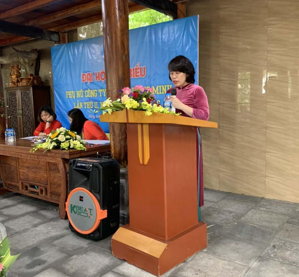 Đồng chí Nguyễn Thị Hồng Yến - PGĐ công ty chủ trì Đại hội